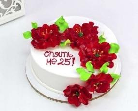 Торт с красными пионами