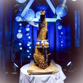 Многоярусный торт Золотое яблоко