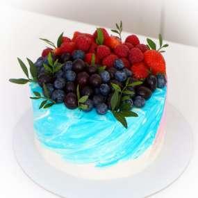 """Торт """"Шапка ягод и фруктов"""""""