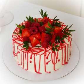 """Торт """"С ягодами и брызгами"""""""