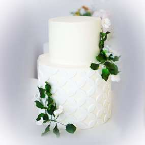 """Торт """"Белый с веточками"""""""