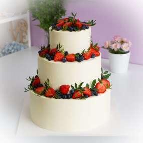 """Торт """"Ярусный с ягодками"""""""