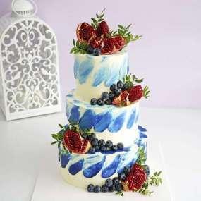 Свадебный торт с гранатом