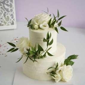 Свадебный торт с розами