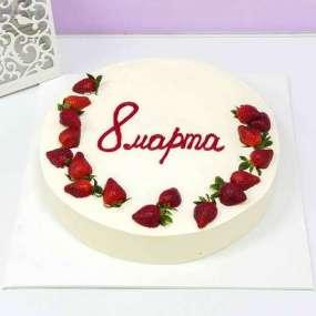 Торт белый с клубникой