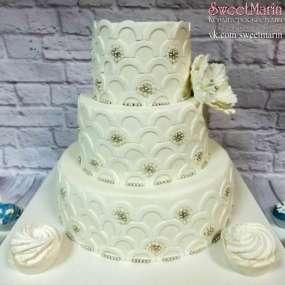 Торт «Белый и серебро»