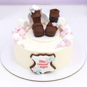 Свадебный торт с сапогами