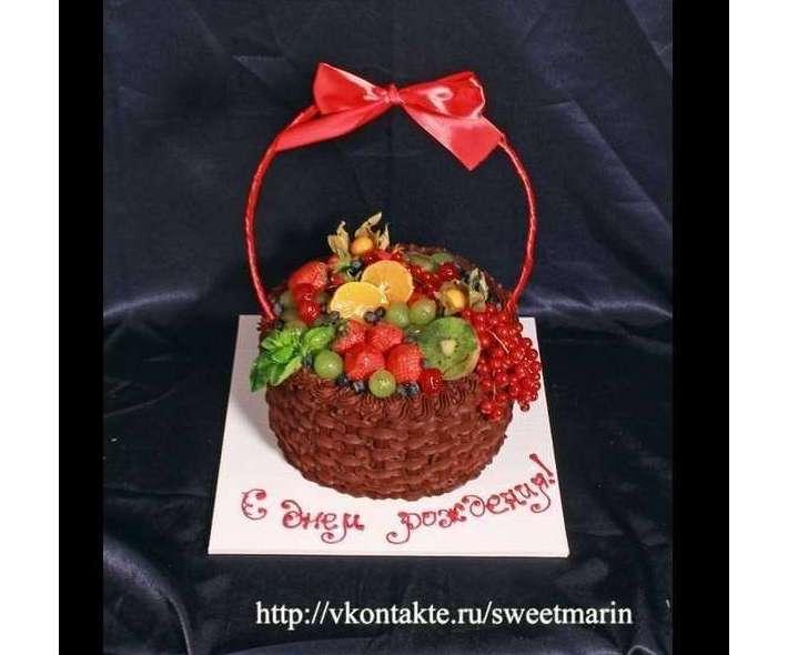 """Торт """"Корзинка с ягодами"""""""