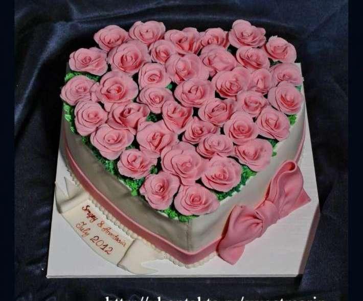 """Торт """"Сердце роз"""""""