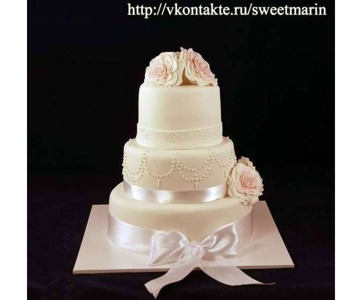 """Торт """"Неповторимая элегантность"""""""