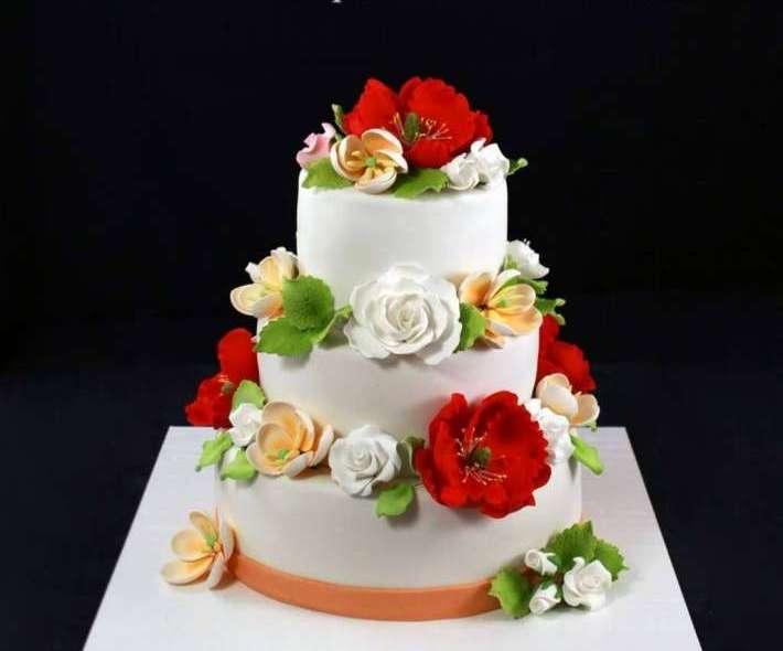 """Торт """"Маки, розы, тюльпаны"""""""