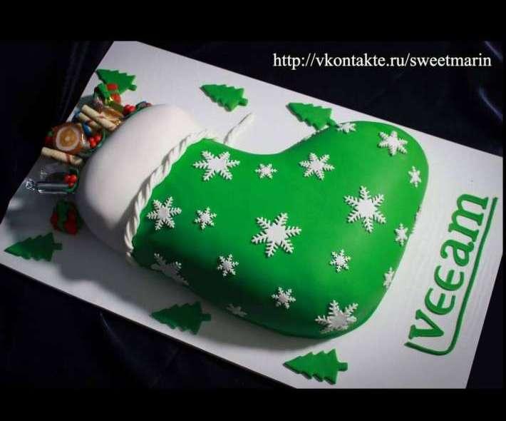 """Торт """"Новогодний носок с подарками"""""""