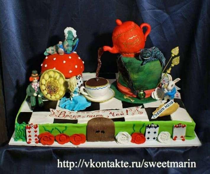 """Торт """"Алиса в стране чудес"""" на праздник"""